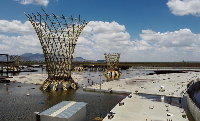 Vào những năm 1970, khu vực này bắt đầu được bảo tồn khi chính phủ phải vật lộn để ngăn các cơn bão cát thổi từ khu vực khô cạn của hồ đến Mexico City.