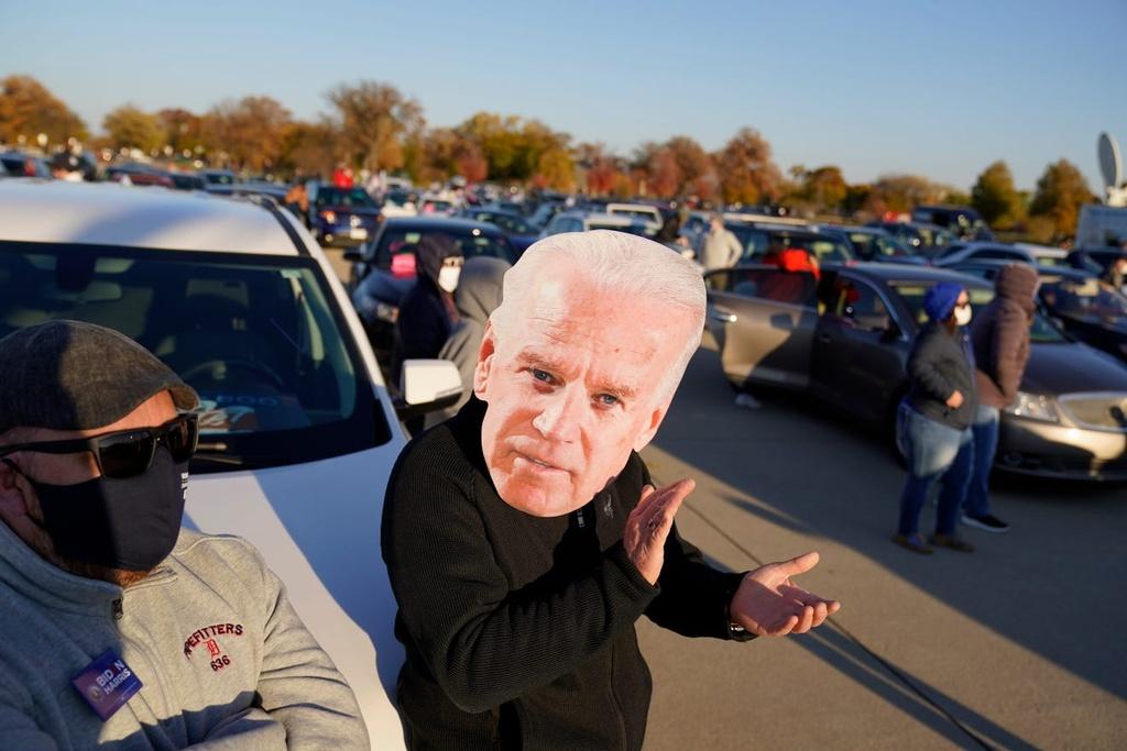 Ong Obama van dong cung ong Biden anh 8