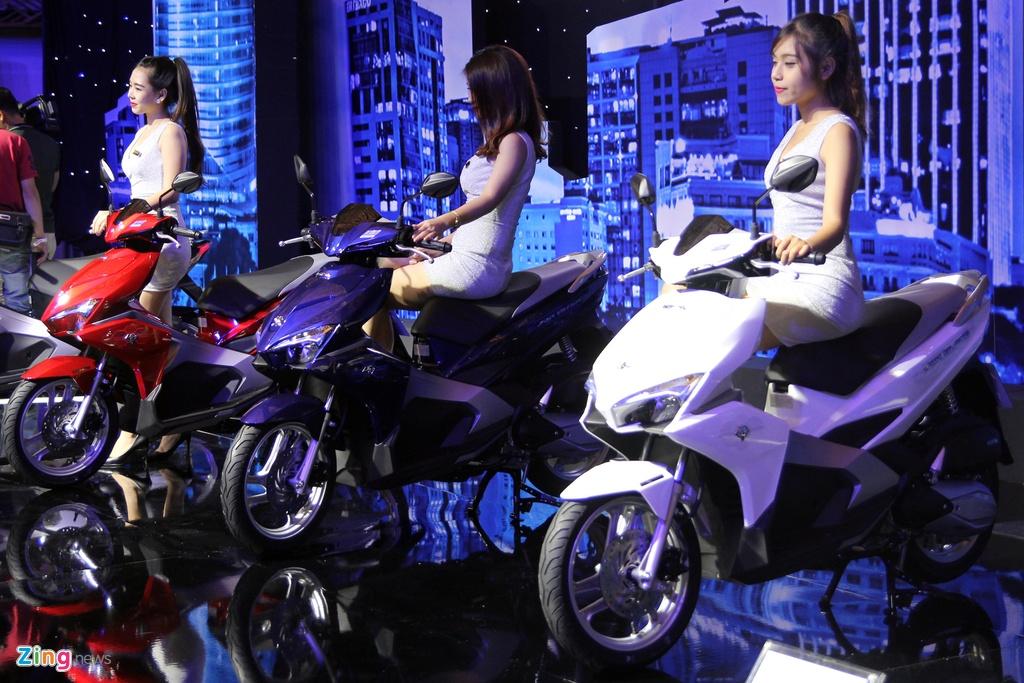 Honda Air Blade va Nouvo 2016 – doi thu xe tay ga cho nam hinh anh 16