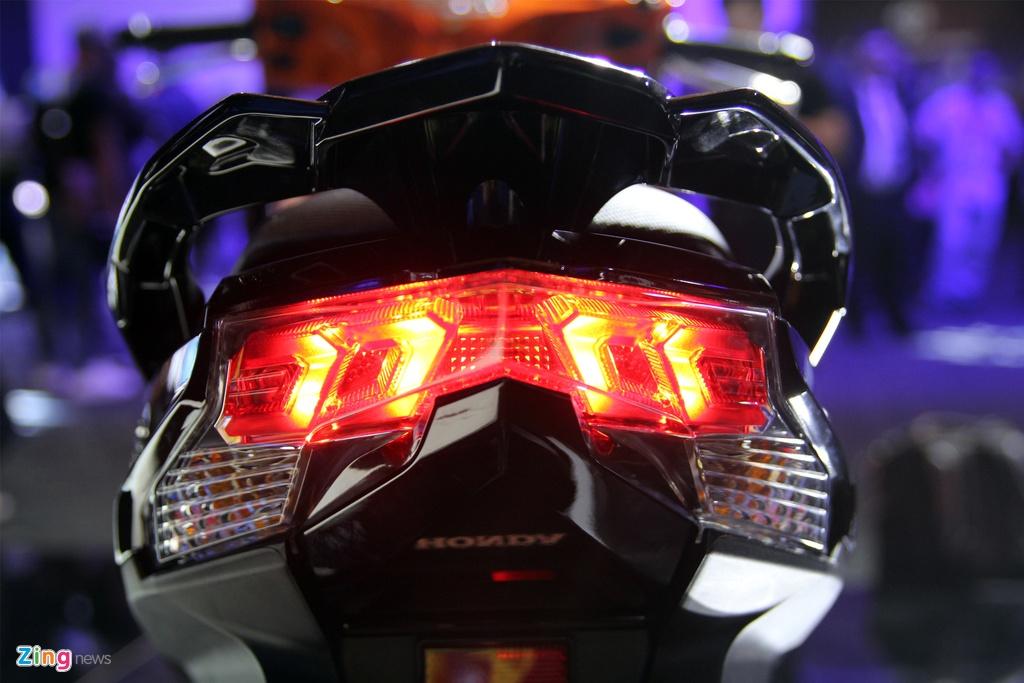 Honda Air Blade va Nouvo 2016 – doi thu xe tay ga cho nam hinh anh 6