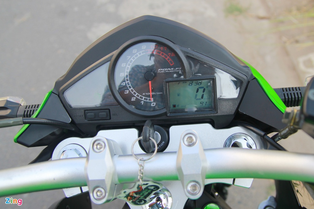 Naked bike 320 phan khoi, gia 98 trieu moi ve Viet Nam hinh anh 10