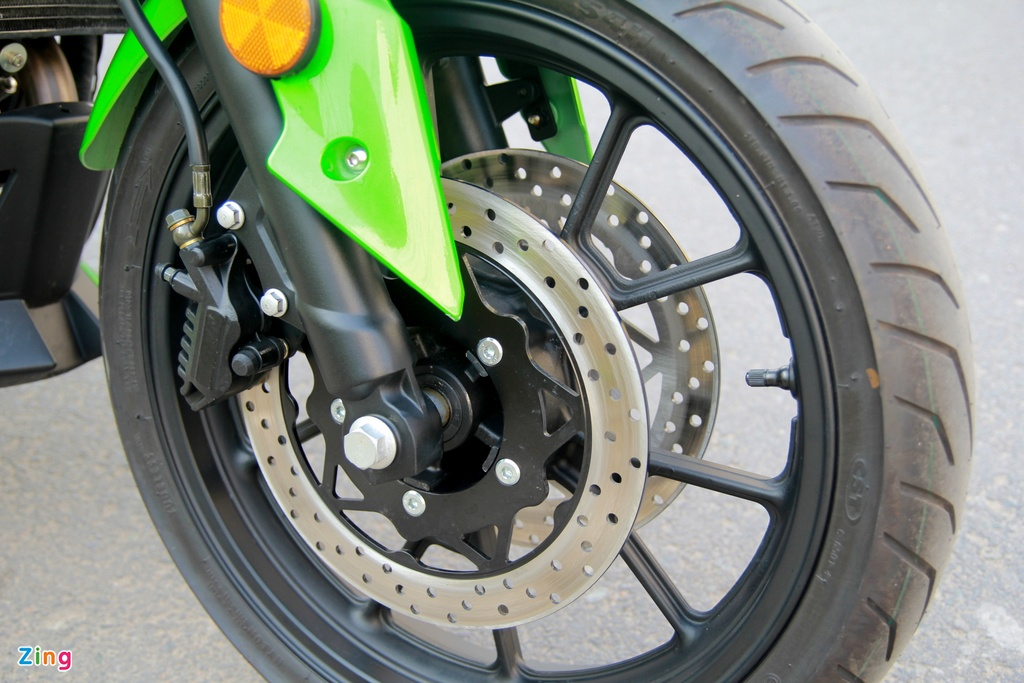 Naked bike 320 phan khoi, gia 98 trieu moi ve Viet Nam hinh anh 11