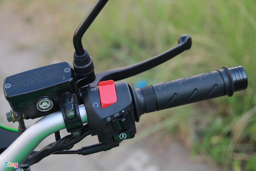 Naked bike 320 phan khoi, gia 98 trieu moi ve Viet Nam hinh anh 16