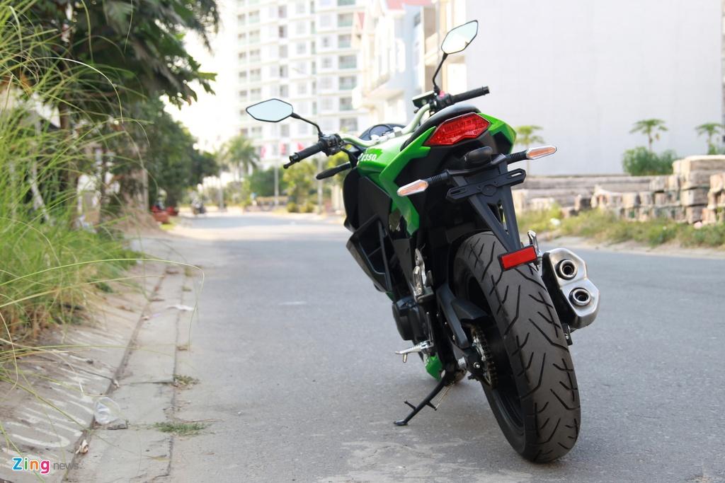 Naked bike 320 phan khoi, gia 98 trieu moi ve Viet Nam hinh anh 4