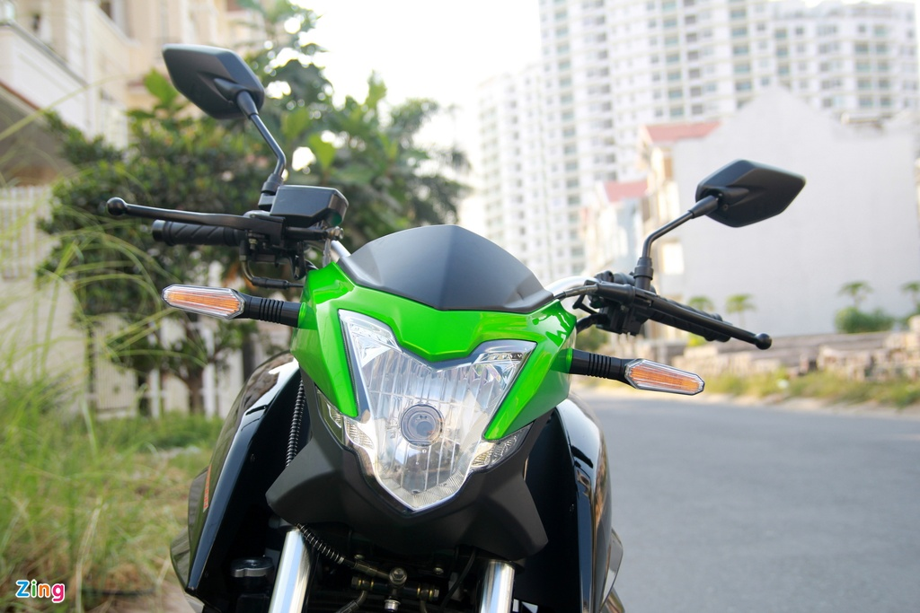 Naked bike 320 phan khoi, gia 98 trieu moi ve Viet Nam hinh anh 7