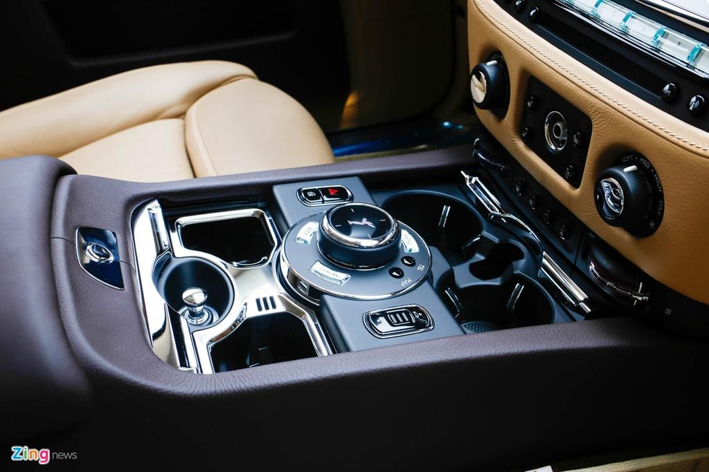 Rolls-Royce Ghost ban bespoke tren 24 ty ra mat tai Viet Nam hinh anh 13