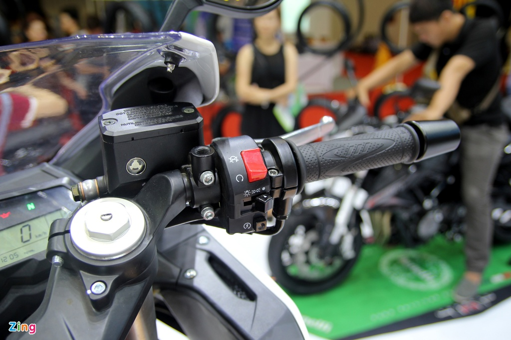Benelli ra mat sportbike 300 phan khoi canh tranh Yamaha R3 hinh anh 8
