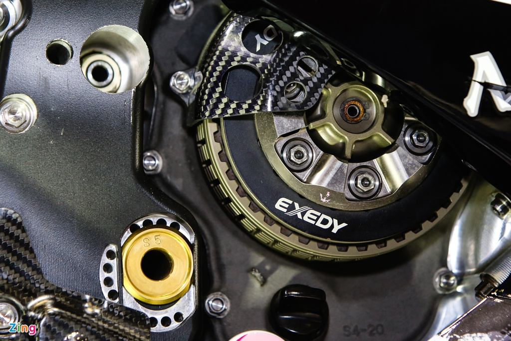 Yamaha M1 tai Viet Nam - xe vo dich MotoGP 2015 hinh anh 3