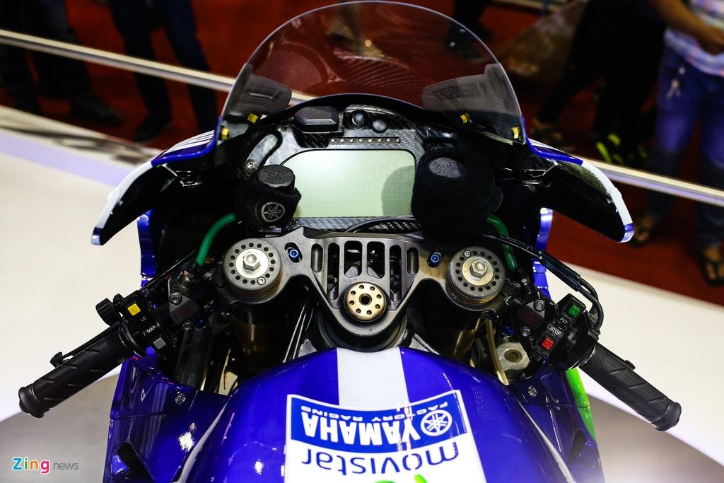 Yamaha M1 tai Viet Nam - xe vo dich MotoGP 2015 hinh anh 5