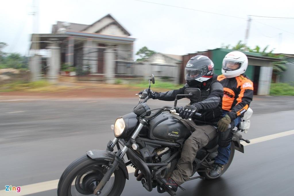 Phuot 2.000 km xuyen Viet tren nhung chiec Kawasaki hinh anh 3