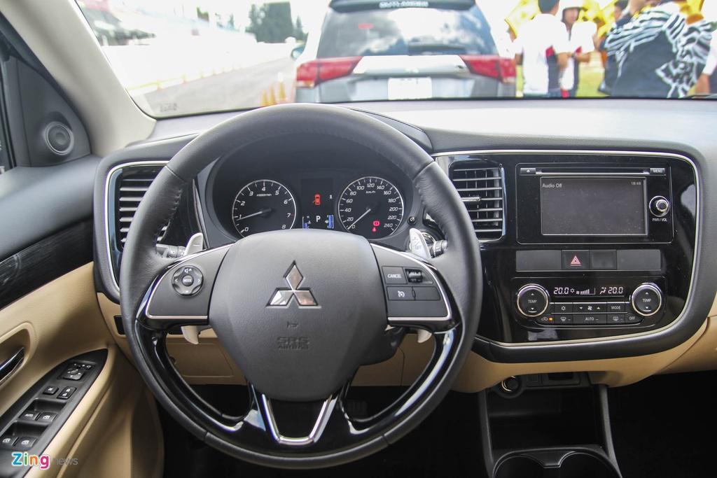 Chi tiet Mitsubishi Outlander vua ra mat tai VN hinh anh 11