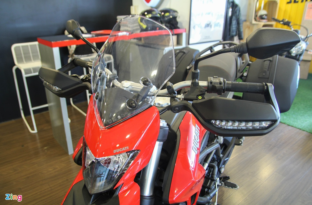 Ducati Hyperstrada 939 o Viet Nam anh 4