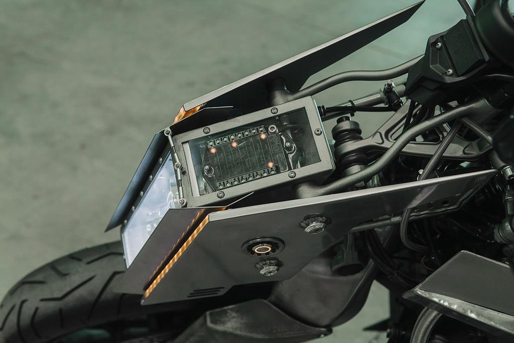 BMW K1200S do kieu robot bien hinh hinh anh 10