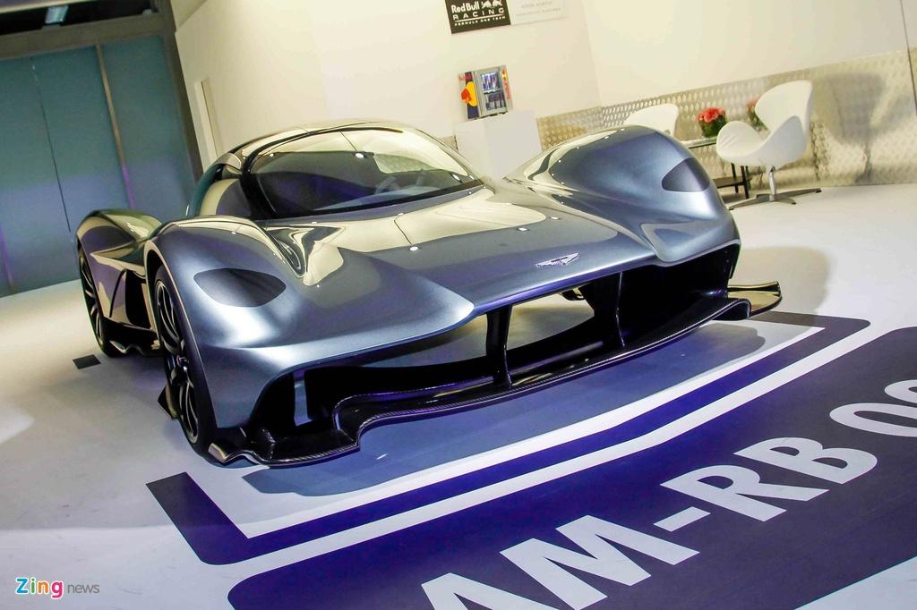 Chi tiet Aston Martin 3,2 trieu USD moi ra mat tai Singapore hinh anh 1