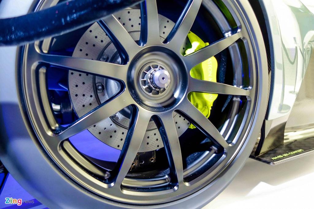 Chi tiet Aston Martin 3,2 trieu USD moi ra mat tai Singapore hinh anh 11