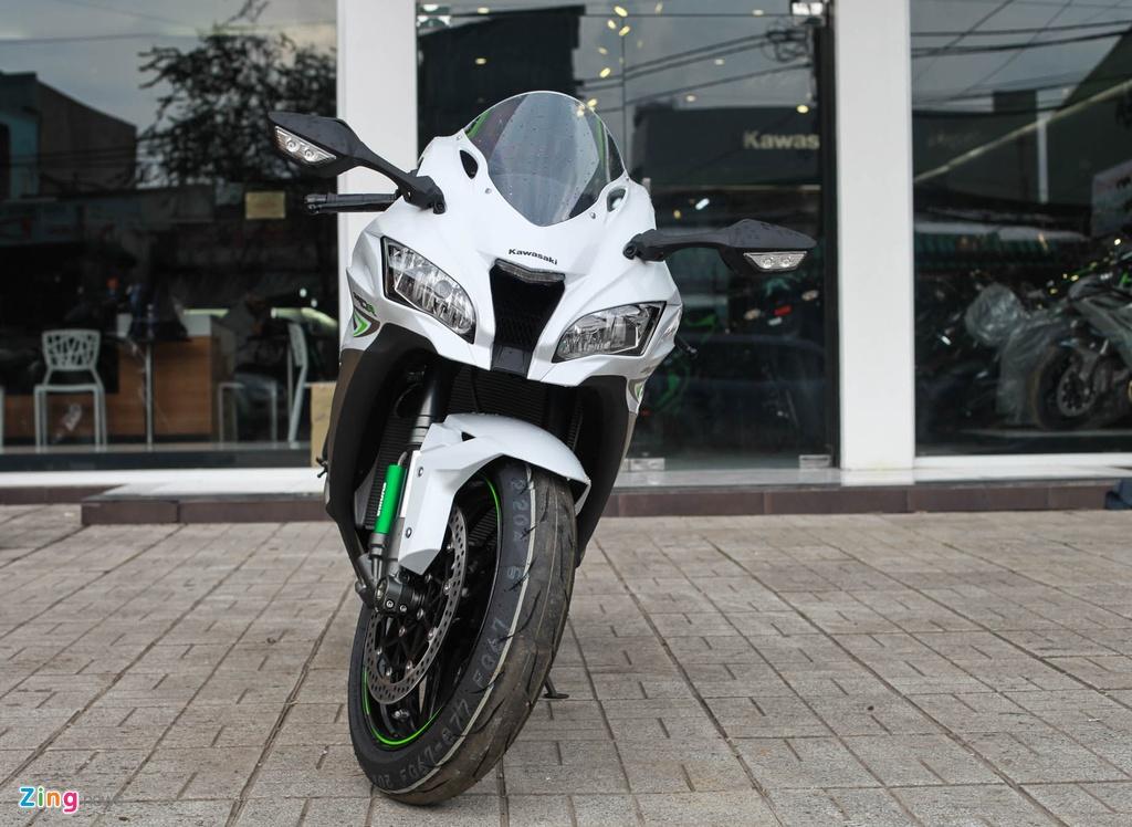 Kawasaki Ninja ZX 10R 2017 dau tien ve Viet Nam hinh anh 2