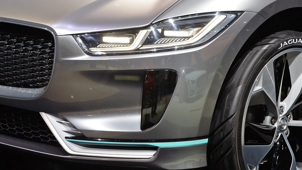 Jaguar I-Pace concept: Tuong lai cua SUV dien hinh anh 7