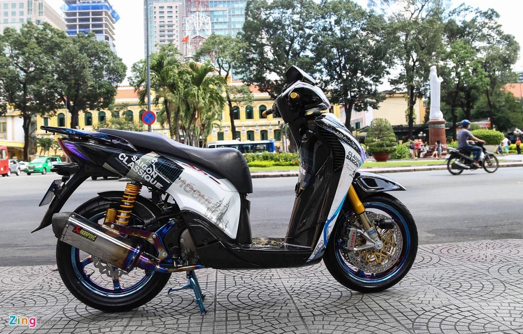 Honda SH bien ngu quy do tren 200 trieu cua biker Sai Gon hinh anh 1
