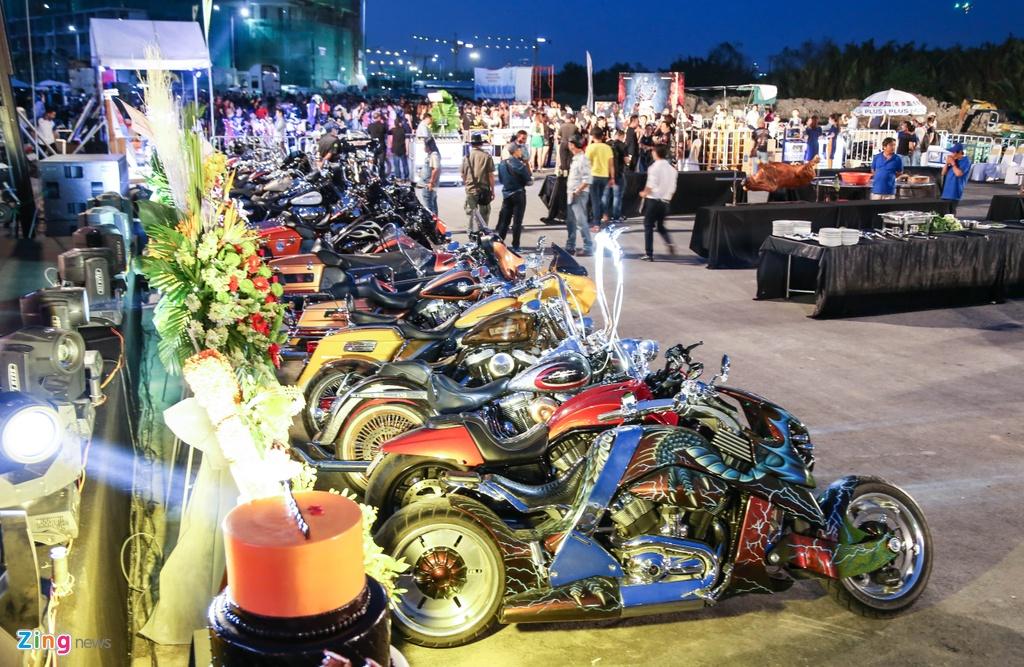 Hang nghin biker hoi ngo mung sinh nhat Saigon Free Chapter hinh anh 1