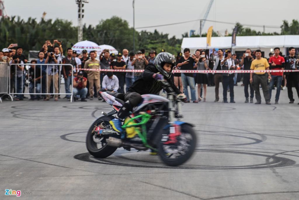 Hang nghin biker hoi ngo mung sinh nhat Saigon Free Chapter hinh anh 3