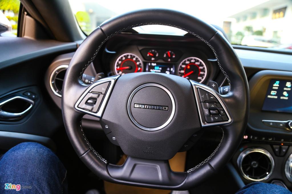 Chi tiet Chevrolet Camaro 2017 moi ban tai Viet Nam hinh anh 13
