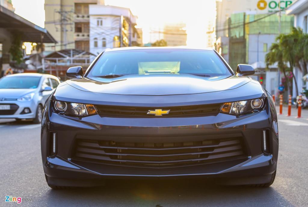 Chi tiet Chevrolet Camaro 2017 moi ban tai Viet Nam hinh anh 2