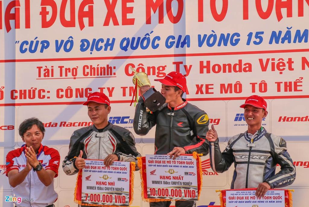 Dua xe Honda dau nam tai Binh Duong hinh anh 10