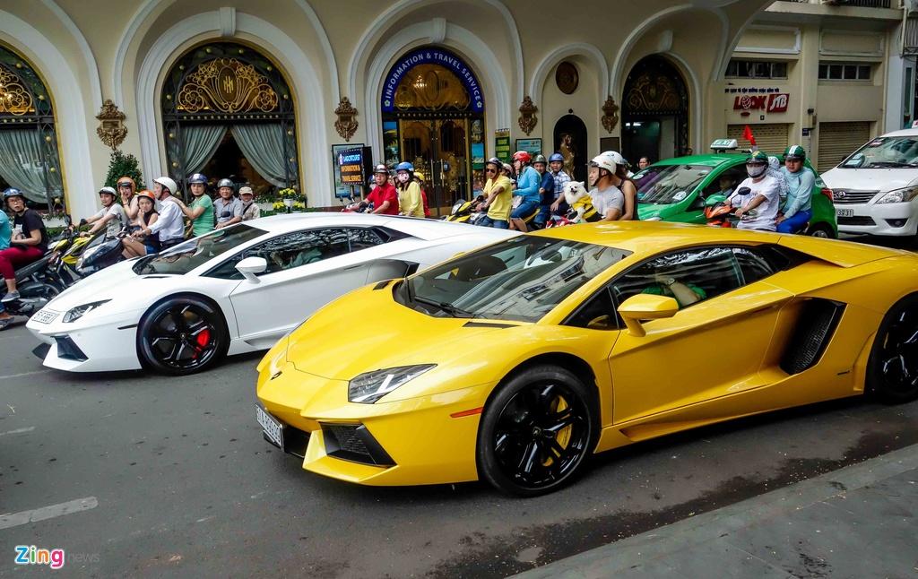 Cuong Do La va cac dai gia Sai Gon choi Tet bang Lamborghini hinh anh 10