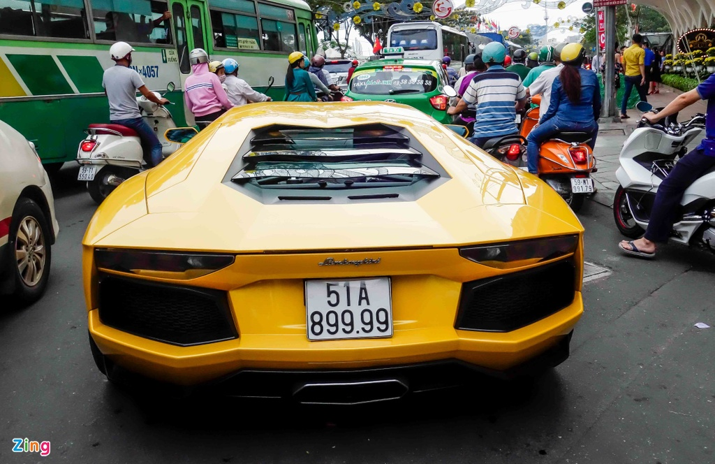 Cuong Do La va cac dai gia Sai Gon choi Tet bang Lamborghini hinh anh 11
