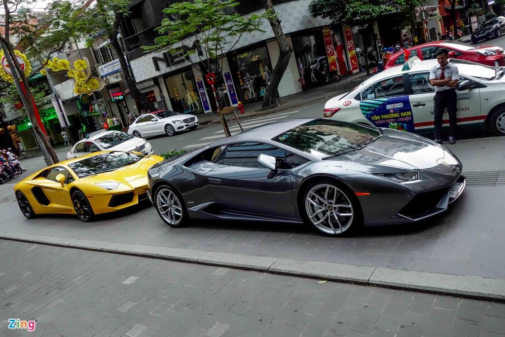 Cuong Do La va cac dai gia Sai Gon choi Tet bang Lamborghini hinh anh 5
