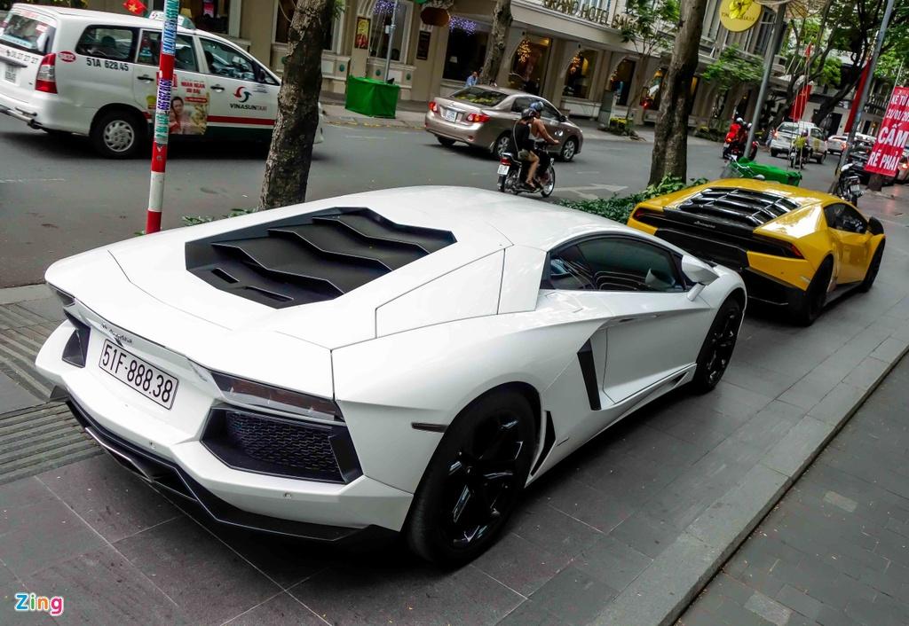 Cuong Do La va cac dai gia Sai Gon choi Tet bang Lamborghini hinh anh 6