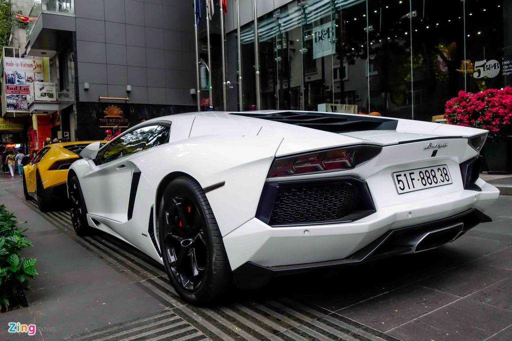 Cuong Do La va cac dai gia Sai Gon choi Tet bang Lamborghini hinh anh 7