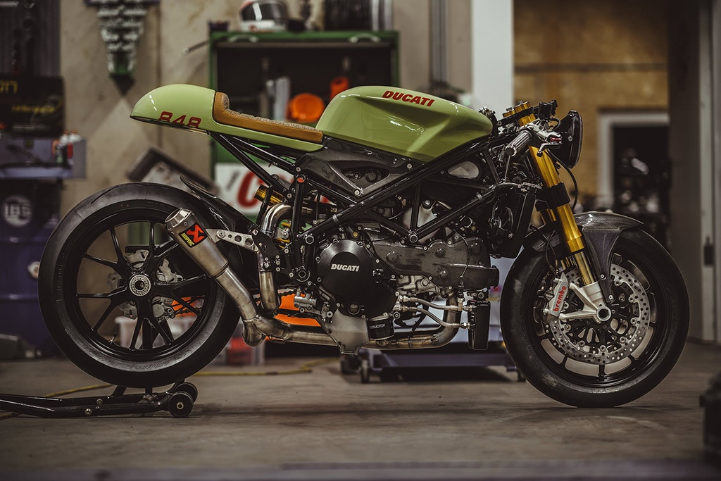 Do sportbike Ducati 848 Evo thanh cafe racer hinh anh 1