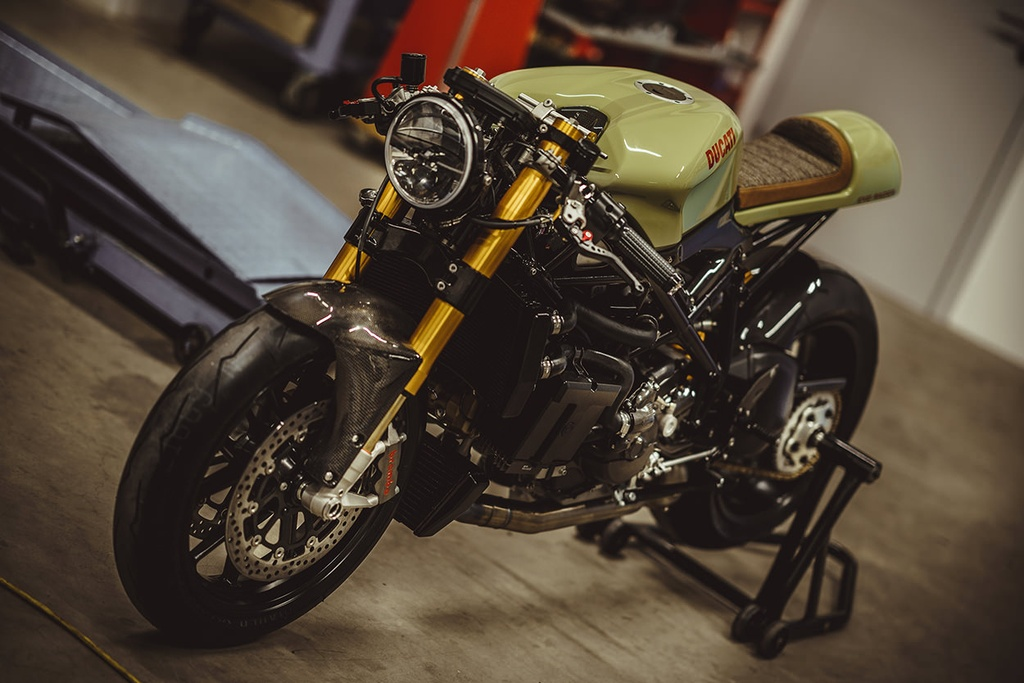 Do sportbike Ducati 848 Evo thanh cafe racer hinh anh 3