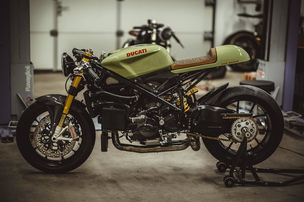 Do sportbike Ducati 848 Evo thanh cafe racer hinh anh 2