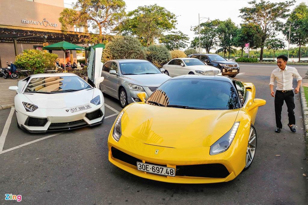 Sieu xe Ferrari 488 GTB mau vang ve tay Cuong Do La hinh anh 1