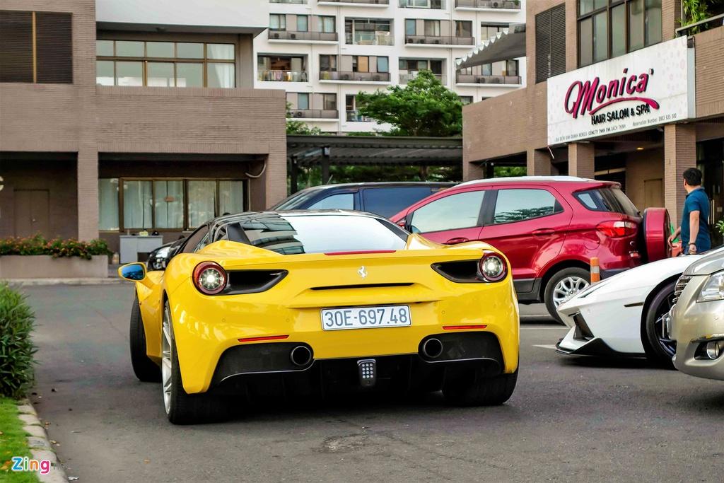 Sieu xe Ferrari 488 GTB mau vang ve tay Cuong Do La hinh anh 9