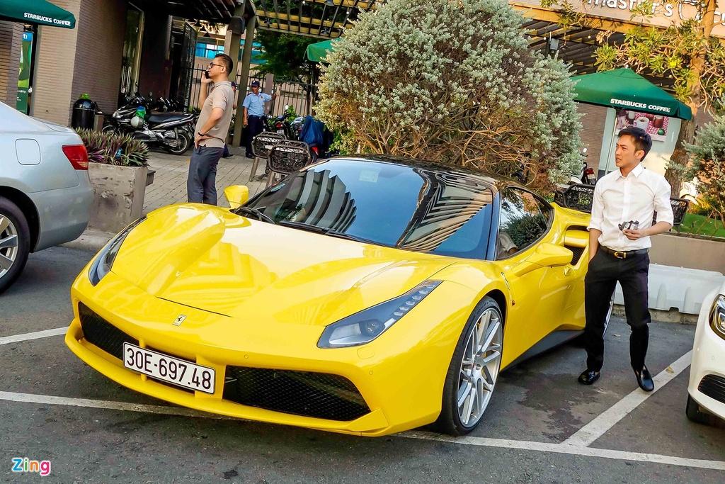 Sieu xe Ferrari 488 GTB mau vang ve tay Cuong Do La hinh anh 2