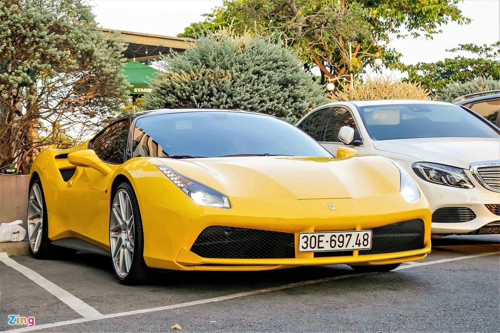 Sieu xe Ferrari 488 GTB mau vang ve tay Cuong Do La hinh anh 3