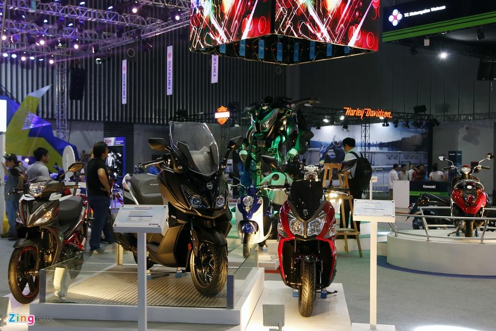 Moto tran ngap truoc gio khai mac Vietnam Motorcycle Show 2017 hinh anh 8