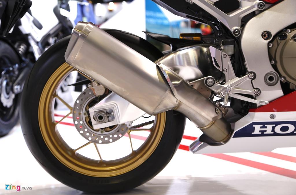 Chi tiet sieu moto Honda CBR1000RR 2017 tai Viet Nam hinh anh 11