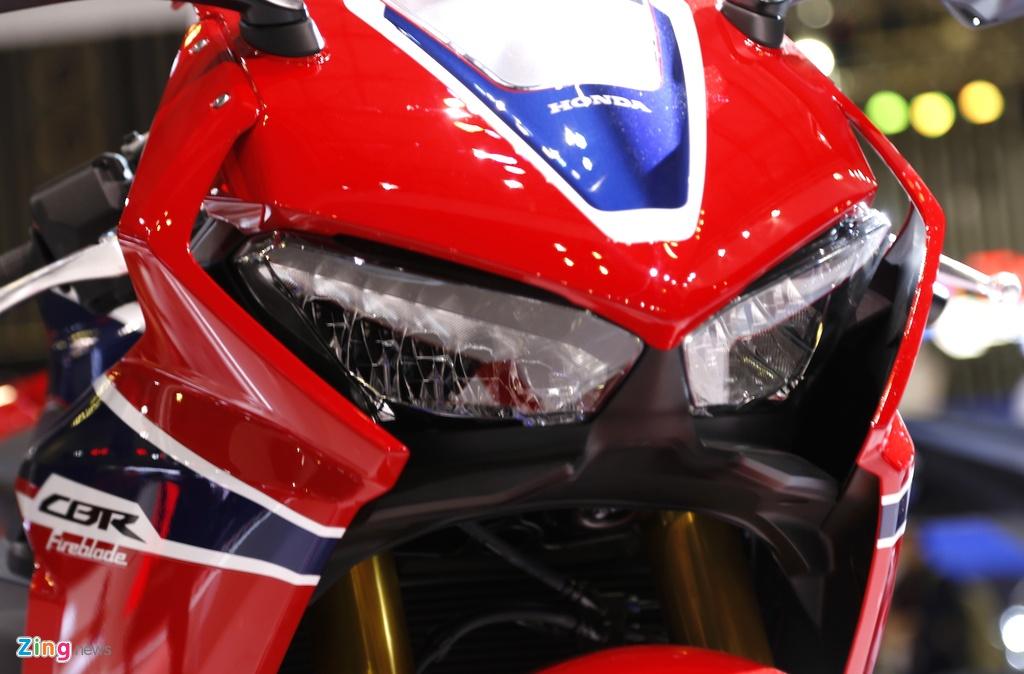 Chi tiet sieu moto Honda CBR1000RR 2017 tai Viet Nam hinh anh 14