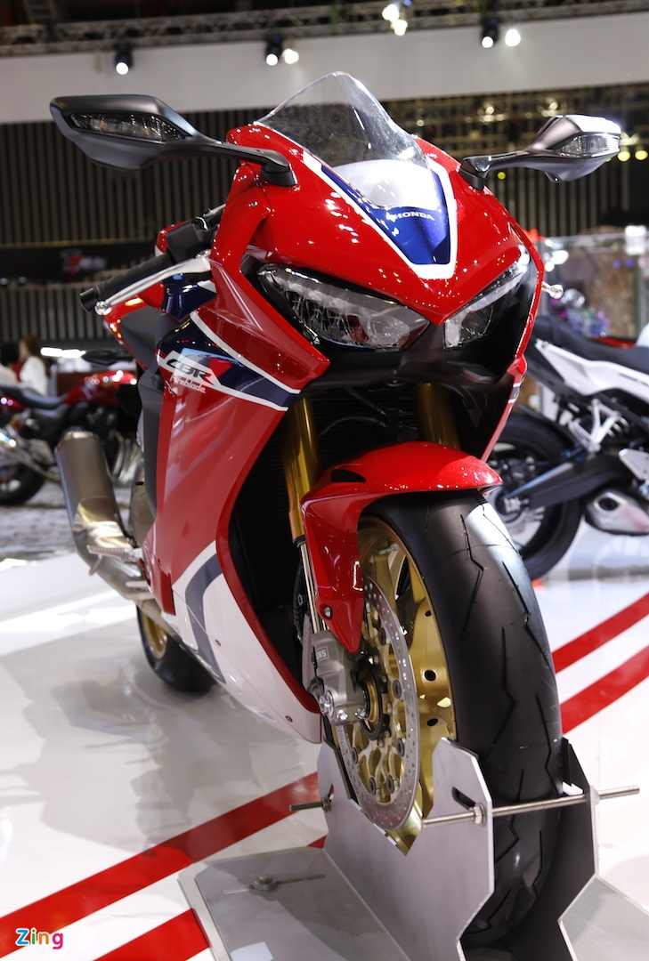 Chi tiet sieu moto Honda CBR1000RR 2017 tai Viet Nam hinh anh 2