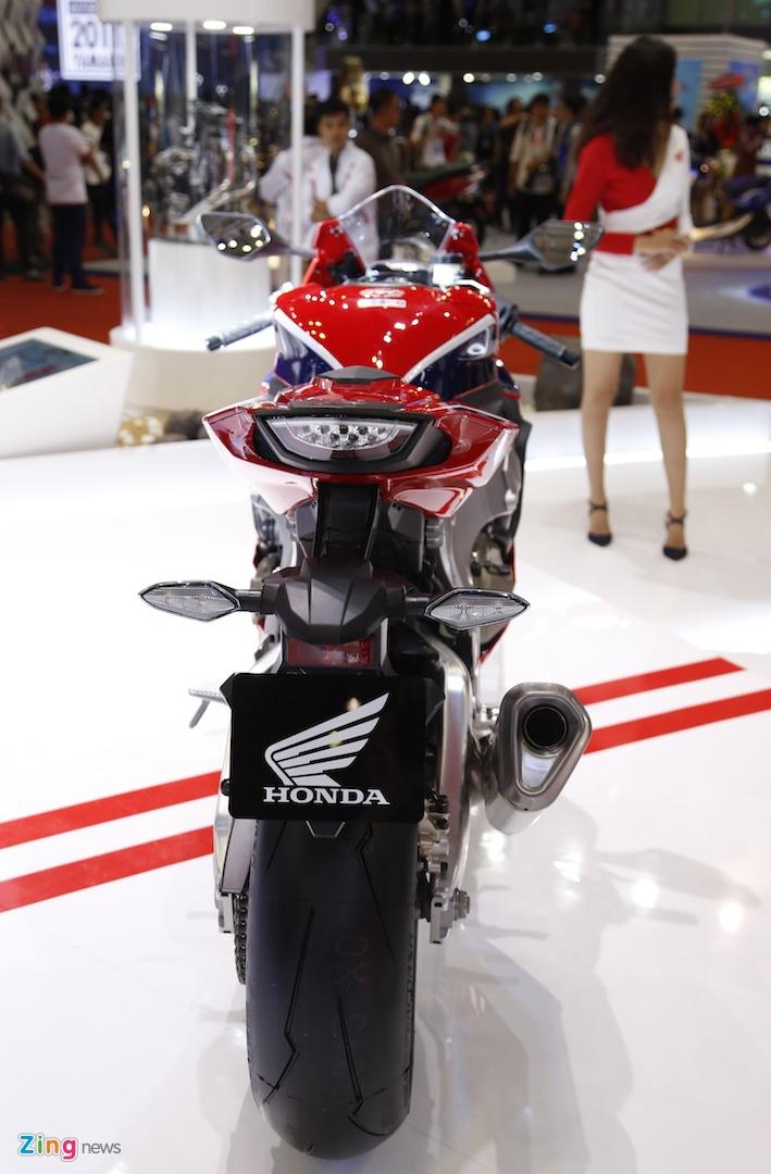 Chi tiet sieu moto Honda CBR1000RR 2017 tai Viet Nam hinh anh 3