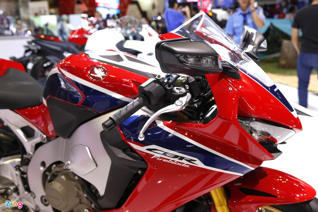 Chi tiet sieu moto Honda CBR1000RR 2017 tai Viet Nam hinh anh 6