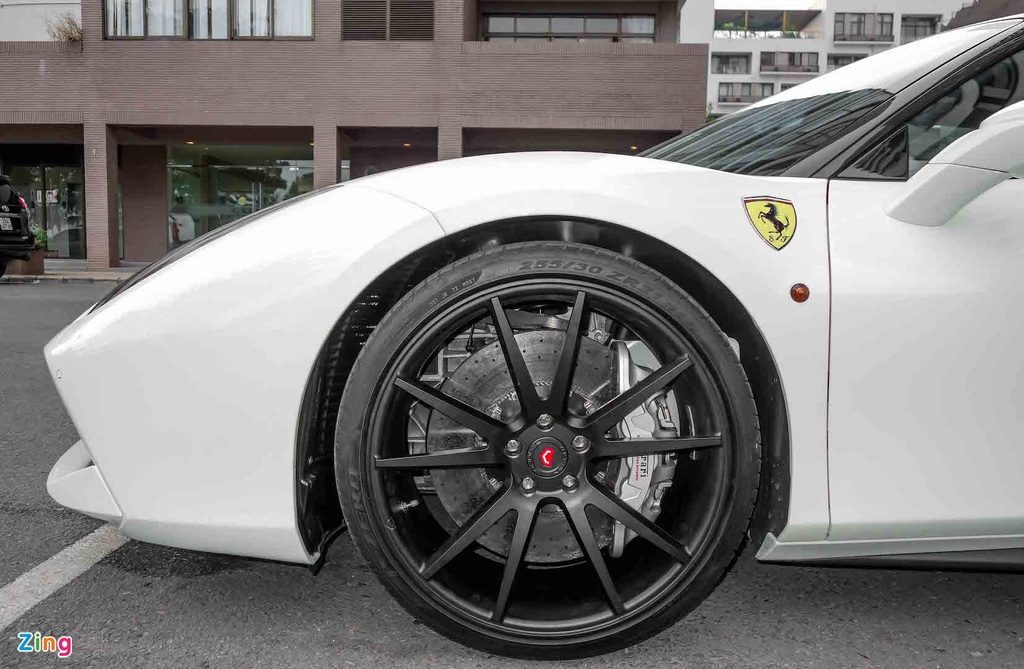 Sieu xe Ferrari 488 GTB cua Cuong Do La anh 7