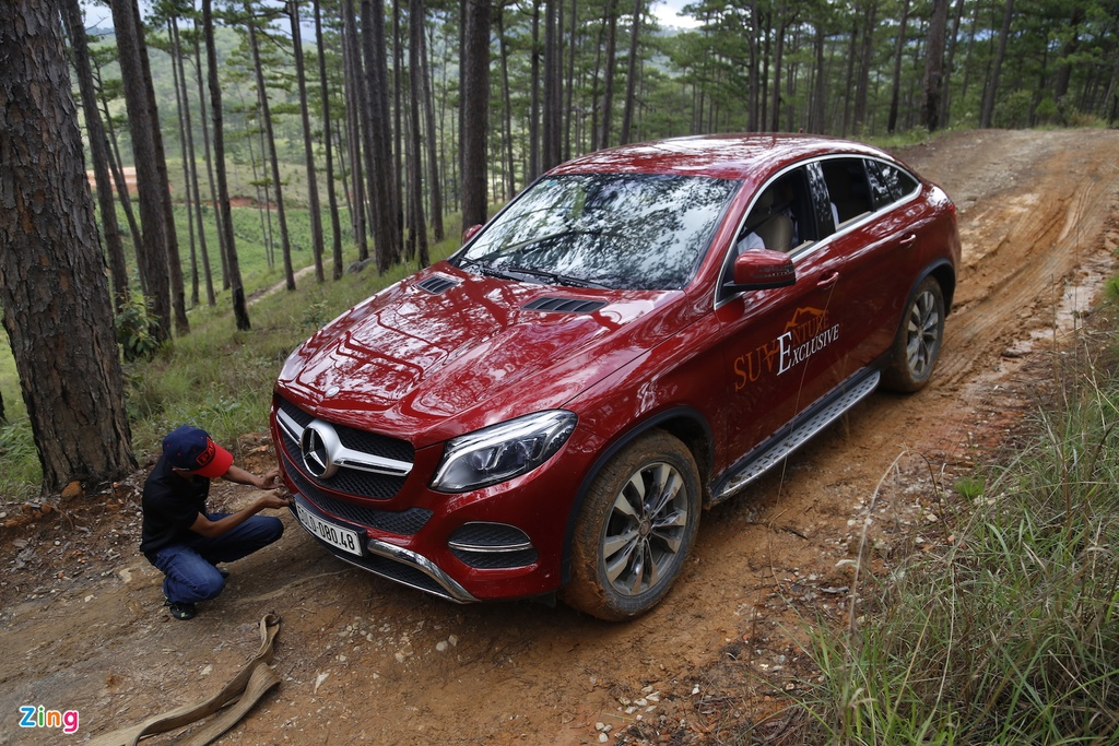 Mercedes GLE chuc ty off-road anh 10