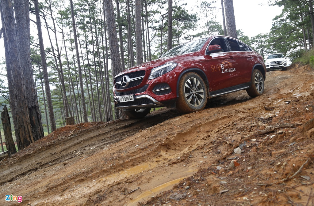 Mercedes GLE chuc ty off-road anh 11