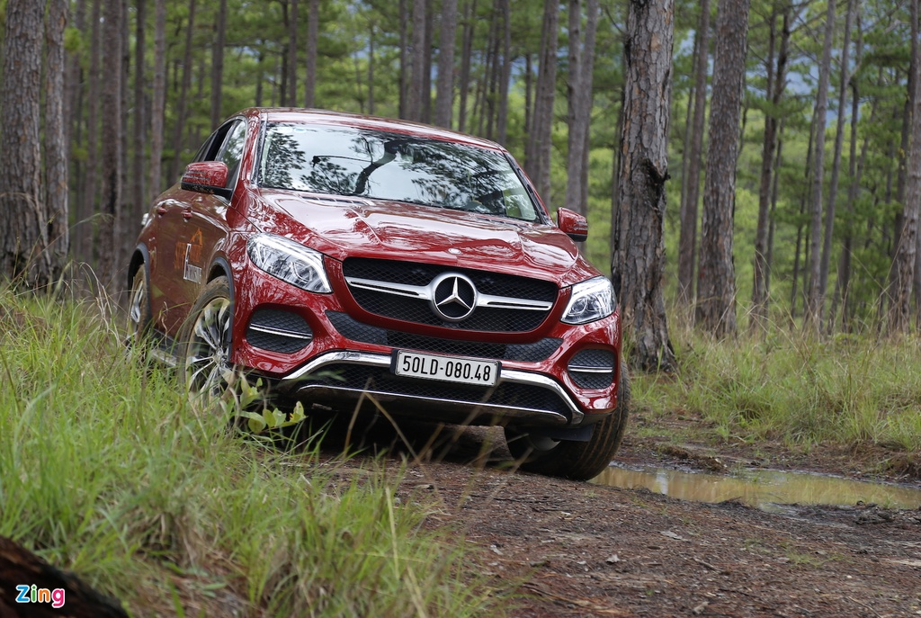 Mercedes GLE chuc ty off-road anh 7