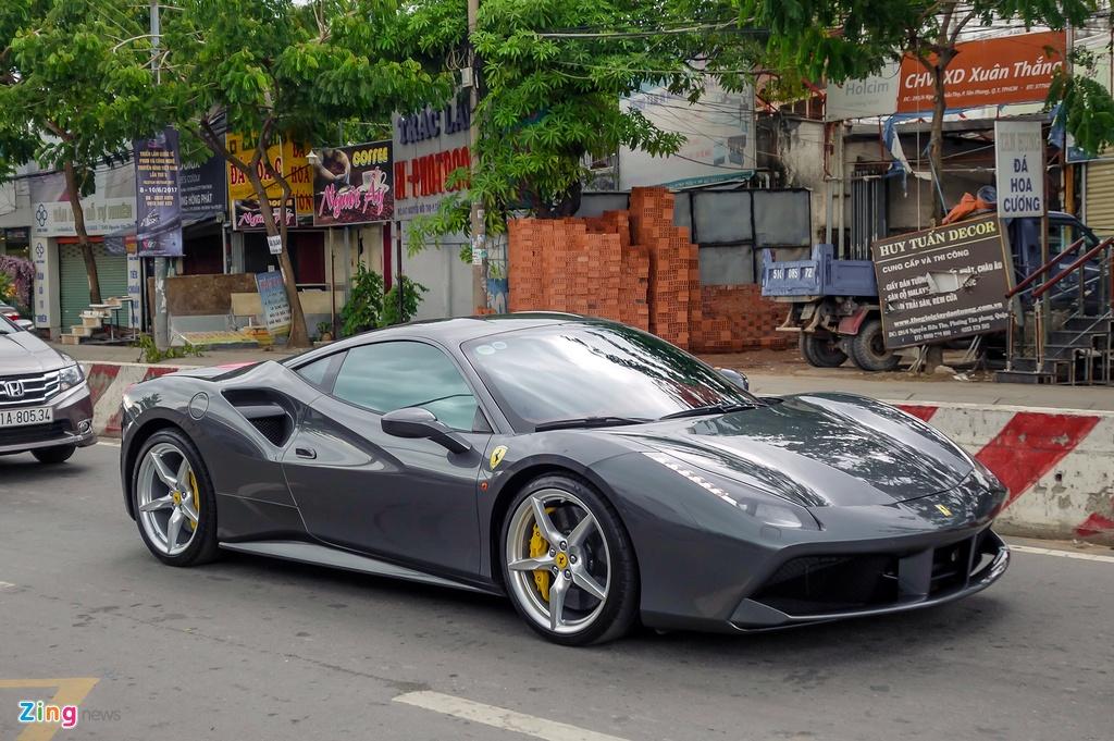 Cuong Do La mua sieu xe Ferrari anh 1